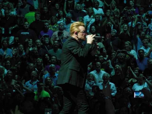 Bono crowd