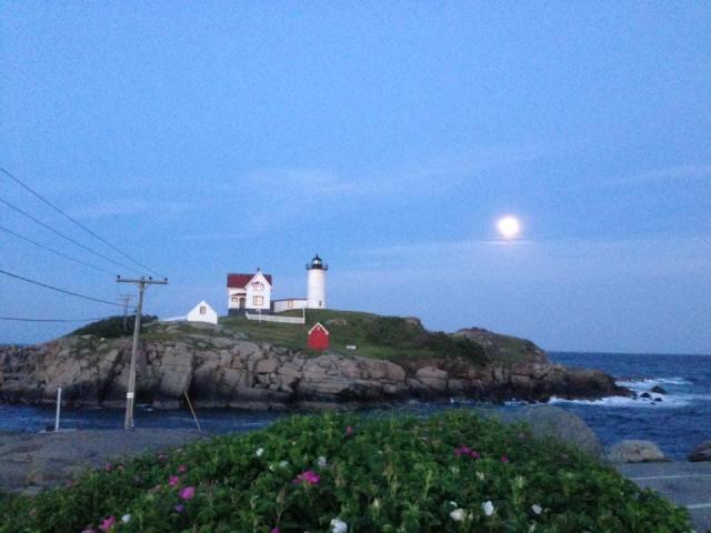 nubble full moon